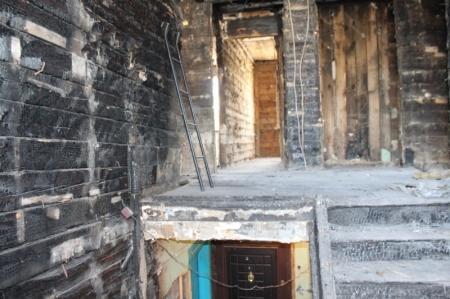 Погорельцы 3 микрорайона: Власти Актау хотят заселить нас обратно в сгоревший дом