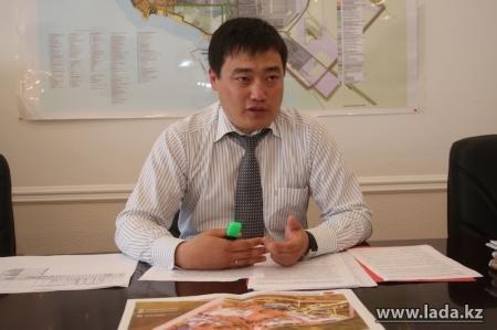 Уркен Бисакаев: Принято решение о реализации проекта строительства автомобильной дороги из Астаны в Актау
