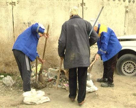 Дворники Актау обещают устроить забастовку, если работодатель не обеспечит их инвентарем