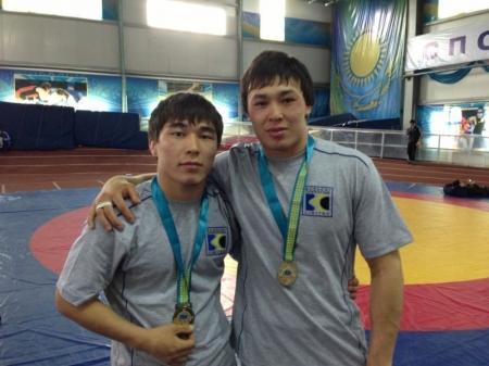 На чемпионате Казахстана по вольной борьбе мангистауские спортсмены завоевали две золотые медали