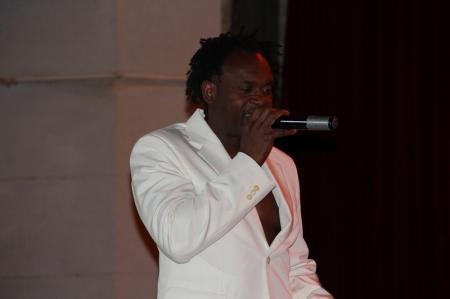 В Актау в культурно-досуговом комплексе имени Абая прошел концерт Dr. Alban