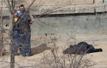 В Актау мужчина покончил жизнь самоубийством, сбросившись с многоэтажного дома