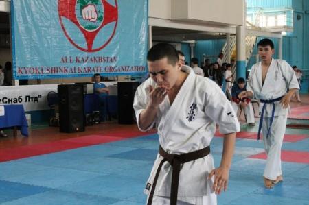 На чемпионате Казахстана по кекушинкай каратэ сборная Мангистау заняла первое общекомандное место