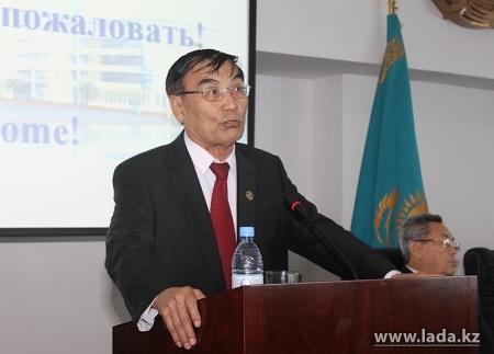 Омирзак Озганбаев избран председателем Центрального Совета ветеранов Казахстана