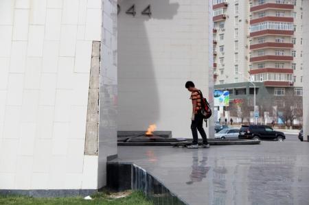 """Манас Айтжанов: Мемориал """"Вечный Огонь"""" будут реставрировать"""