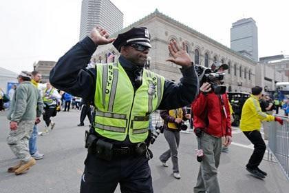 СМИ сообщили о 12 погибших при взрывах в Бостоне
