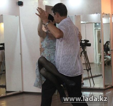 В Актау прошел фестиваль аргентинского танго с участием приглашенного тренера из Америки