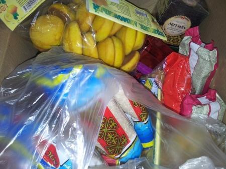 Пенсионеры Актау уже начали получать помощь из благотворительной продуктовой корзины фонда «Адал»
