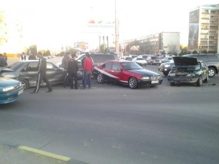Авария возле драмтеатра