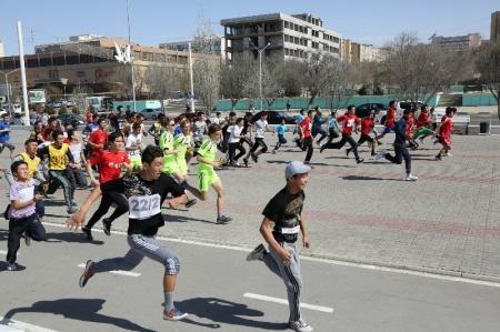В Актау прошел массовый пробег «Я против наркотиков!»
