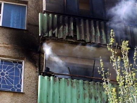 Девочка, получившая тяжелое отравление угарным газом в результате пожара в 13 микрорайоне Актау, пришла в себя