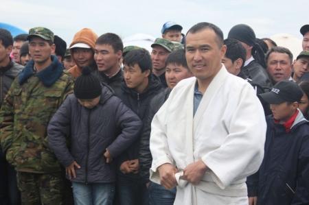 В соревнованиях по казакша курес в Актау первое место занял боец спецподразделения «Арлан»