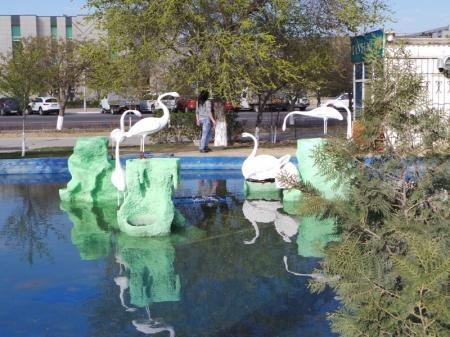 В сквере седьмого микрорайона Актау отреставрировали пруд