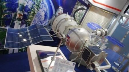 """""""Экипаж"""" биоспутника заменен за сутки до старта с """"Байконура"""" из-за конфликта среди мышей"""