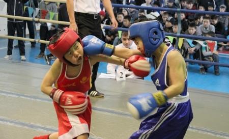 Юные мангистауские боксеры завоевали семь золотых медалей на соревнованиях в городе Атырау