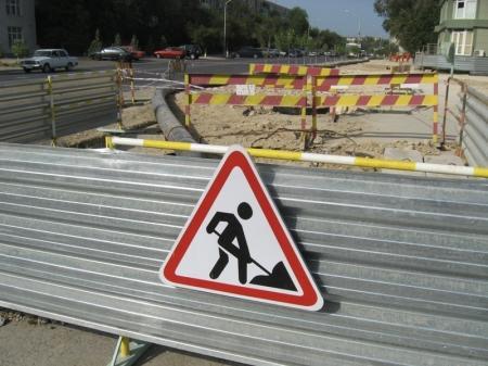 Жители Актау жалуются на плохое состояние городских тротуаров