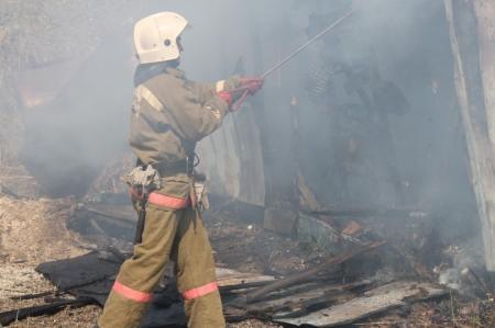 В Мангистау у гидрометеорологической службы сгорел вагончик