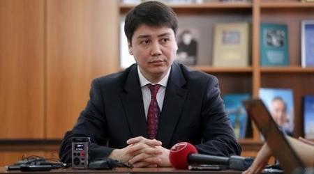 Абденов озвучил размер своей зарплаты и пенсионных накоплений