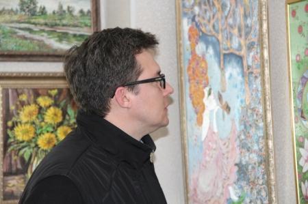 В Актау открылась персональная выставка картин Наталии Жуковой