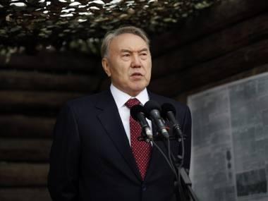 Сегодня Президент Казахстана Нурсултан Назарбаев поздравил ветеранов и всех казахстанцев с Днем Победы
