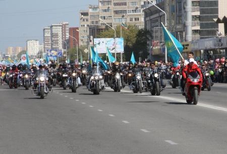 Байкеры Актау открыли мотосезон-2013