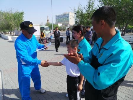 В Актау прошел праздничный забег военнослужащих
