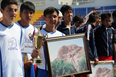 Сборная Казахстана U-16 стала абсолютным победителем международного турнира по футболу, прошедшего в Актау