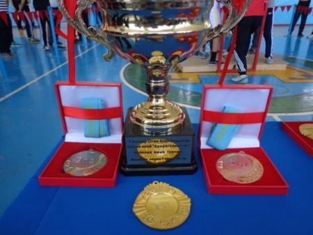 В Мангистау прошел открытый турнир по армрестлингу, посвященный Дню защитника отечества