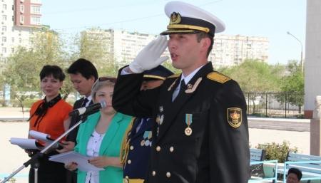 """В Актау прошел конкурс строевой песни """"Когда поют солдаты"""""""