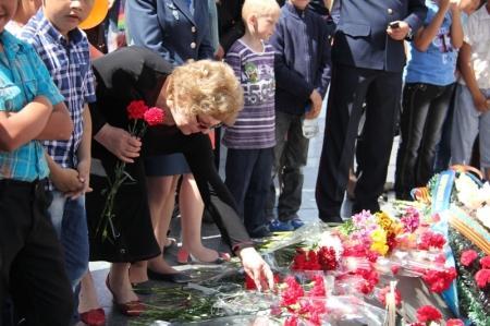 Метание монет в Вечный огонь и  последствия 9 мая в Актау