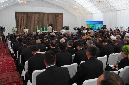 В Мангистауской области президент Казахстана Нурсултан Назарбаев и президент Туркменистана Гурбангулы Бердымухамедов открыли железнодорожную линию