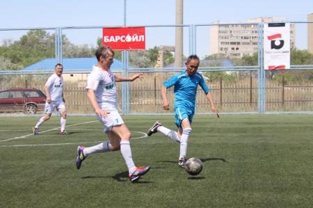 В Актау разгорается спор за первое место в ветеранском турнире по мини-футболу