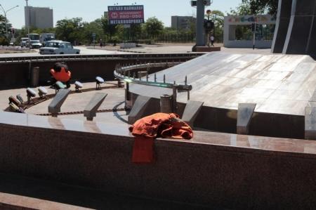 """В Актау 1 июня обещали запустить фонтан """"Каравелла"""""""