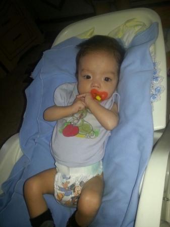 Двум актауским малышам требуется срочная помощь