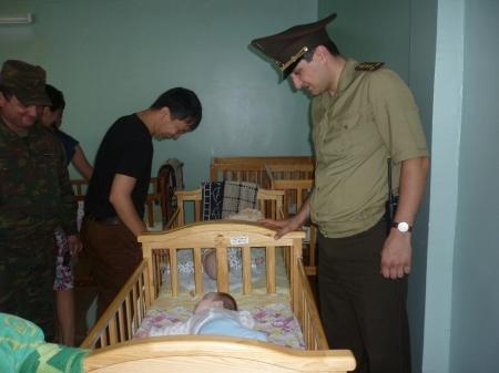 В Актау пожарные навестили воспитанников Дома малютки