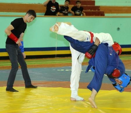 Команда сотрудников мангистауского финпола заняла первое место в соревнованиях по рукопашному бою