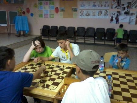 В Актау прошел турнир по шашкам, посвященный памяти ветерана противопожарной службы Бориса Лазарева