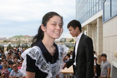 Выпускники школ города Актау поделились впечатлениями от сдачи Единого национального тестирования
