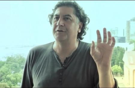 Интервью с Бахтияром Худойназаровым о фильме «В ожидании моря» который снимался в Актау
