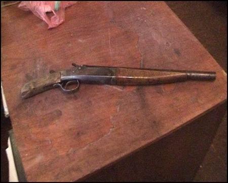 В Актау полиция выясняет, как ружье ИЖ 26 оказалось у 18-летнего местного жителя