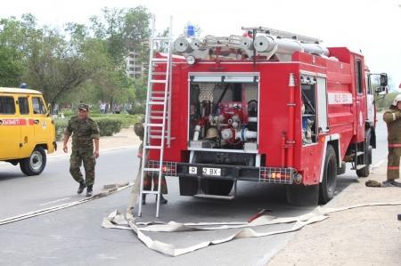 В результате пожара в одном из домов Актау было эвакуировано 50 человек