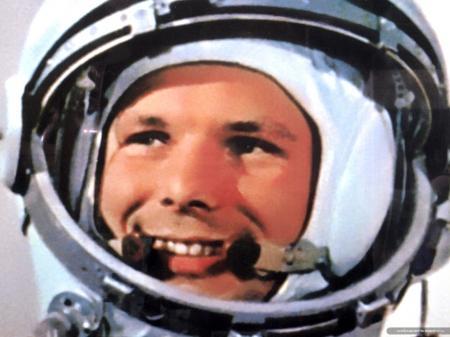 Леонов: Гагарин погиб из-за неосторожного маневра другого самолета