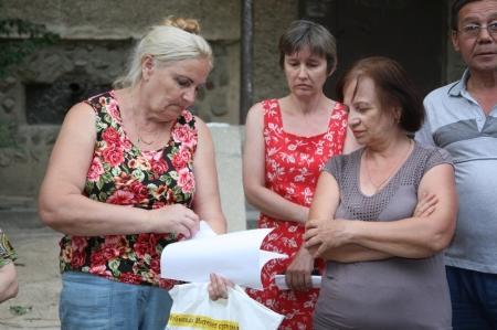 Жители 14 дома девятого микрорайона Актау отстаивают своё право на независимость от управляющей коммунальной компании