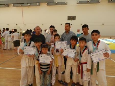 В Актау команда новичков-тхэквондистов заняла третье место в городском турнире
