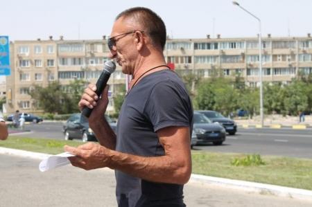 В Актау прошла акция «Приемная на дороге»