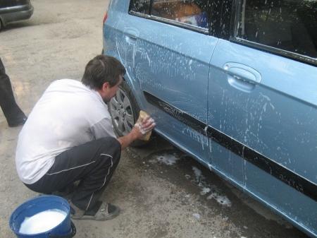 За мойку машин в микрорайонах Актау можно получить штраф
