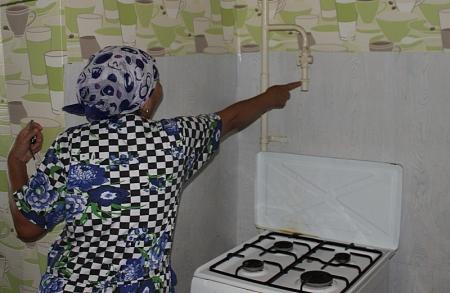 В одном из жилых домов Актау уже 12 лет отсутствует центральное газовое снабжение