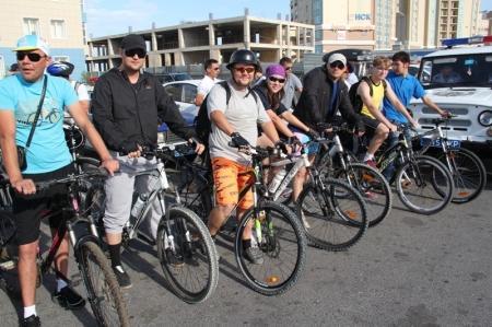 День столицы Казахстана в Актау отметили велопробегом