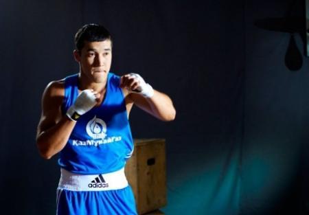 Актауский боксер Адильбек Ниязымбетов одолел боксера Astana Arlans в полуфинале чемпионата Азии