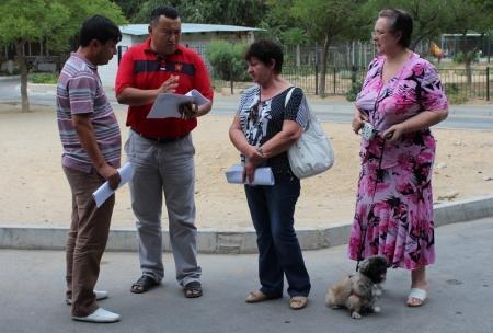 Жители одного из домов в Актау напали на сантехников, производящих ремонт в подвале